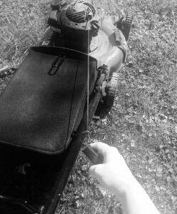 Starting gas lawnmower